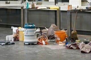 Reinigung einer Baustelle durch einen professionellen Gebäudereinigungsservice