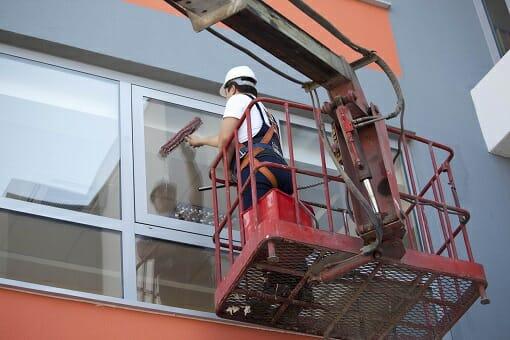Fassadenreinigung durch einen Gebäudeservice