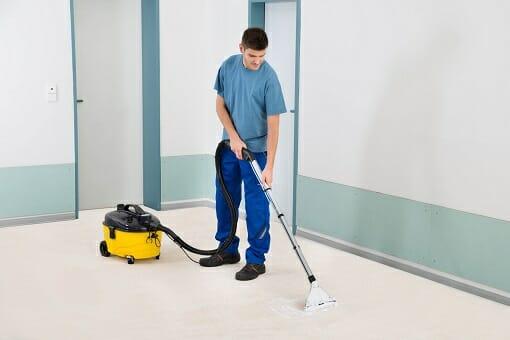Teppichreinigung durch ausgebildete Fachkraft